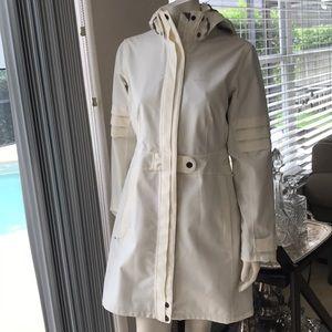 1 DAY SALE! MERRELL rain coat in EUC